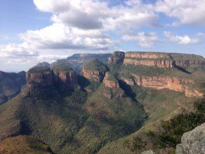 Zuid-Afrika three roundavels